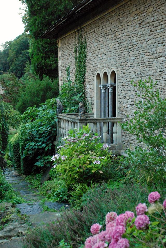 Iford Manor Garden Lisa Cox Designs