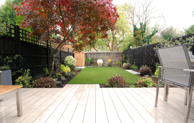 Garden design for small gardens lisa cox garden designs blog for Small garden ideas uk