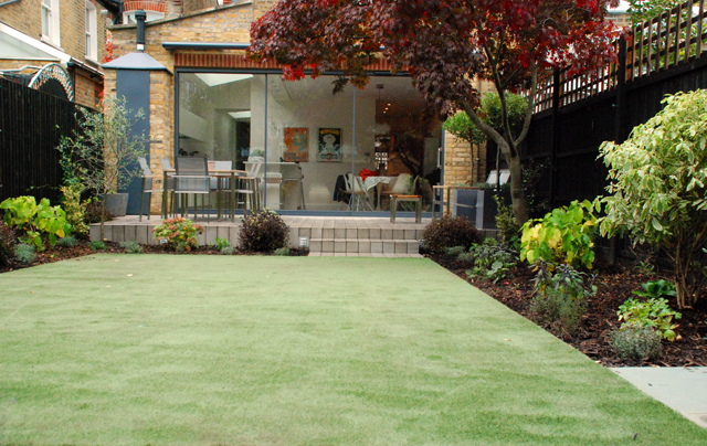 Small garden with Namgrass Lisa Cox Designs
