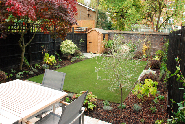 Garden design for small gardens lisa cox garden designs blog for Landscape gardening for small gardens