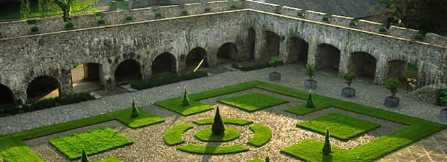 Cloister garden at Aberglasney
