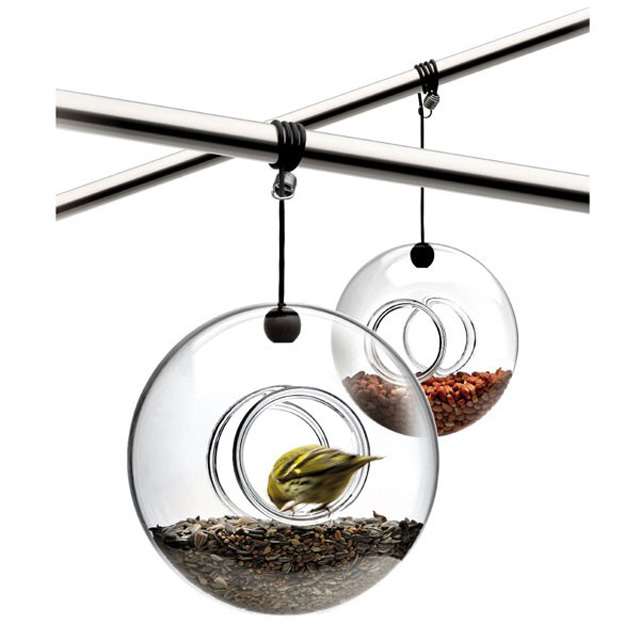 eva-solo-hanging-bird-feeder-3 Red Candy