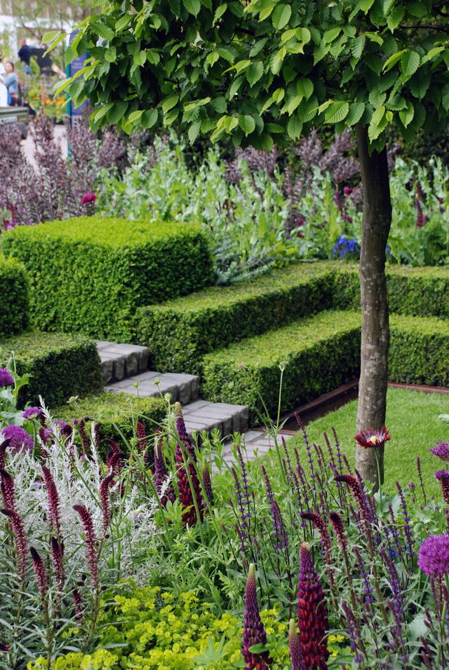 Planting in Hursqvana Garden RHS Chelsea 2016