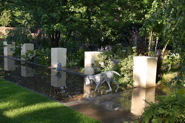 A Dog's Life Garden RHS Hampton 2016 Lisa Cox
