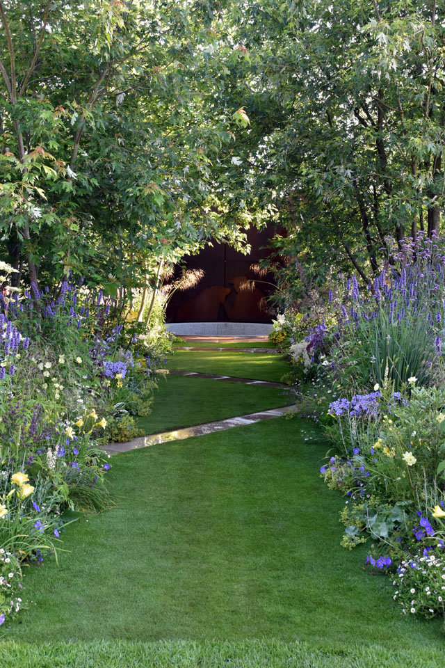 Dog's Trust Garden Hampton Court 2016 Lisa Cox