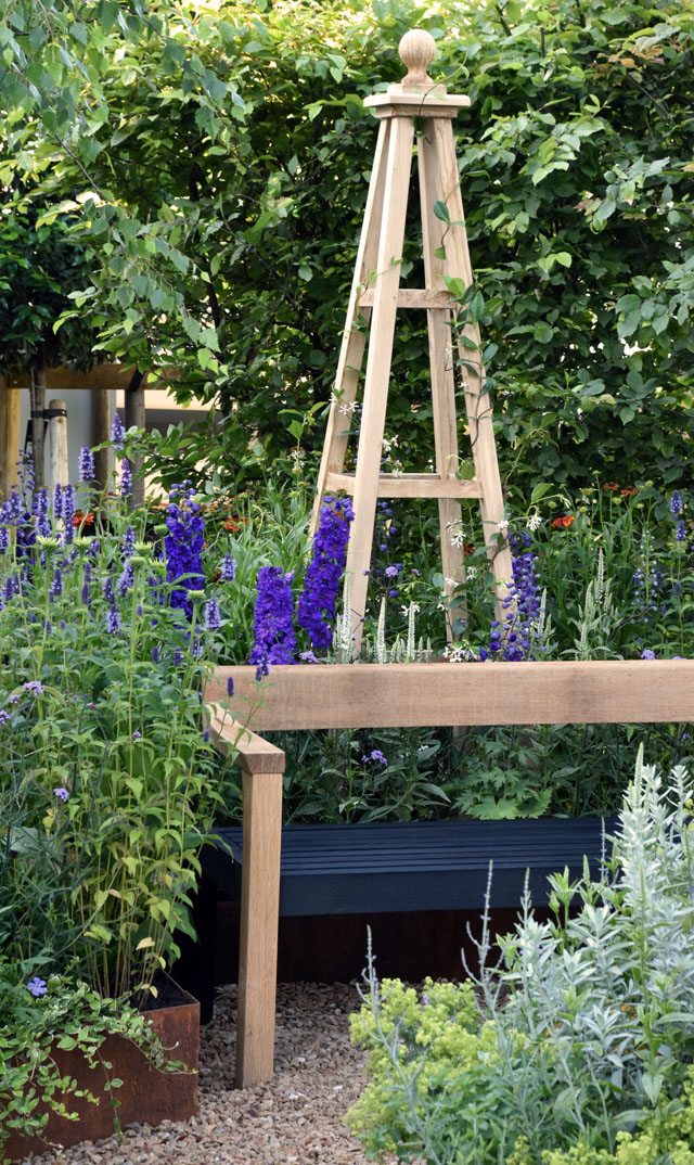 Summer Retreat Garden obelisk RHS Hampton 2016 Lisa Cox