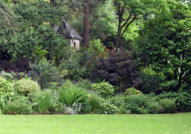 The garden gem that is Dewstow | Lisa Cox Garden Designs Blog
