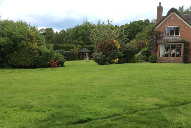 Round garden Cheshire before redesign Lisa Cox Designs
