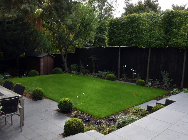 formal-garden-with-levels-lisa-cox-designs