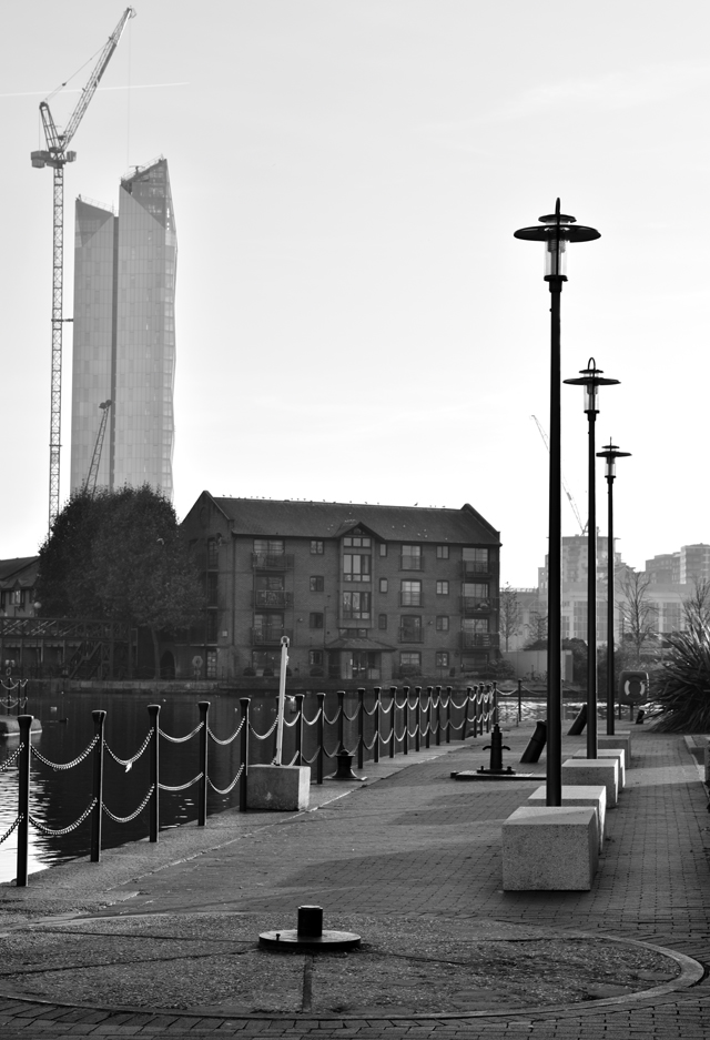 blackwall-basin-promenade-lisa-cox-garden-designs