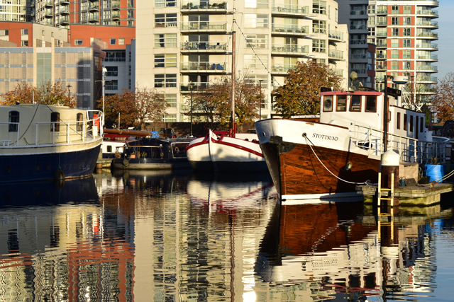 boats-at-canary-wharf-lisa-cox-garden-designs