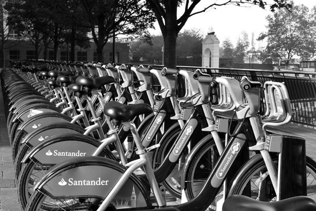 boris-bikes-canary-wharf-lisa-cox