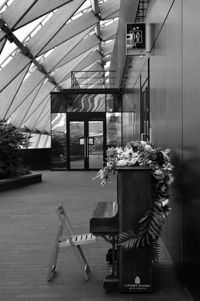 piano-in-cross-rail-roof-garden-lisa-cox-garden-designs